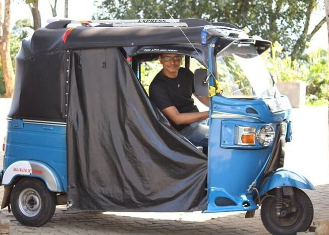 taking the auto rickshaw out for a drive in Colombo