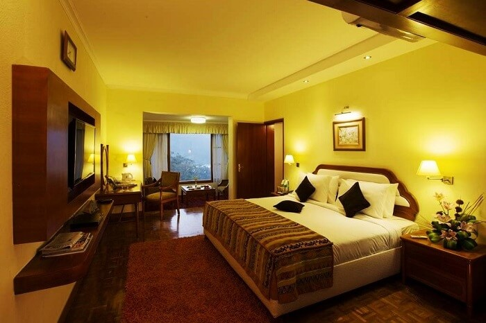 15 best hotels in ooty for honeymoon for a melodious sojourn - Best hotels in ooty with swimming pool ...