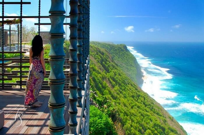 mind blowing views of the ocean from alila villas located on a cliff