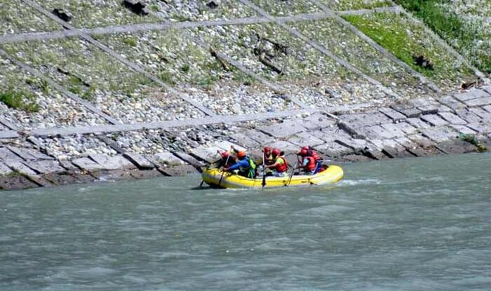 Grade II rapids in Beas in June and July makes these months the best for rafting in Manali
