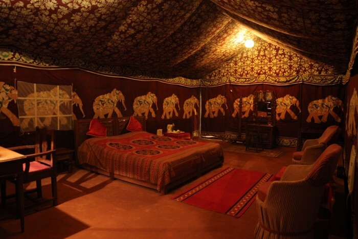 The cozy interiors of a glamp in Bundi