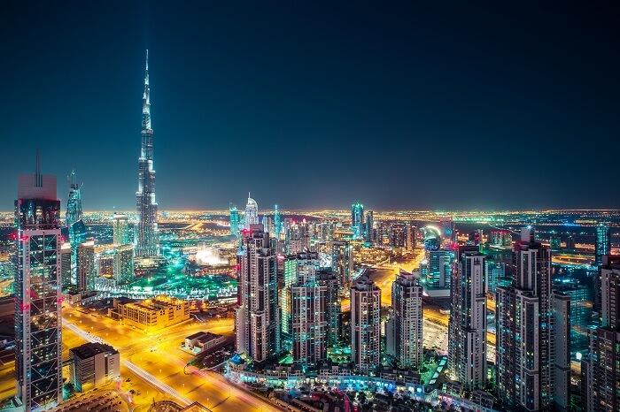 A night shot of the Burj Khalifa and the Dubai skyline