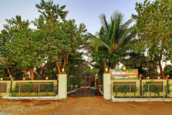 entrance to daksh resort