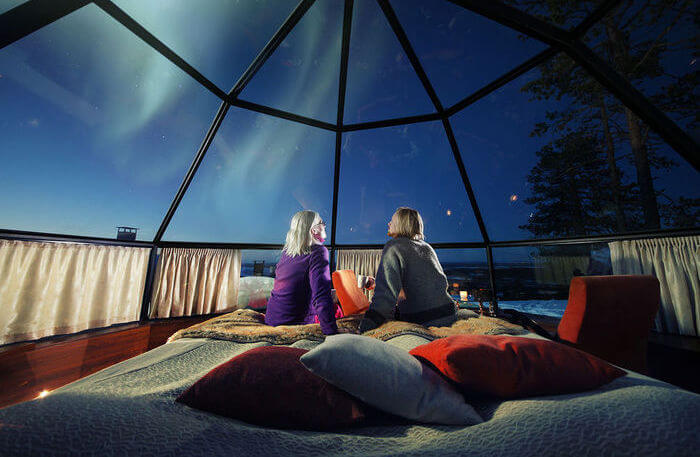 glass igloo stay - Kakslauttanen Arctic Resort East Village
