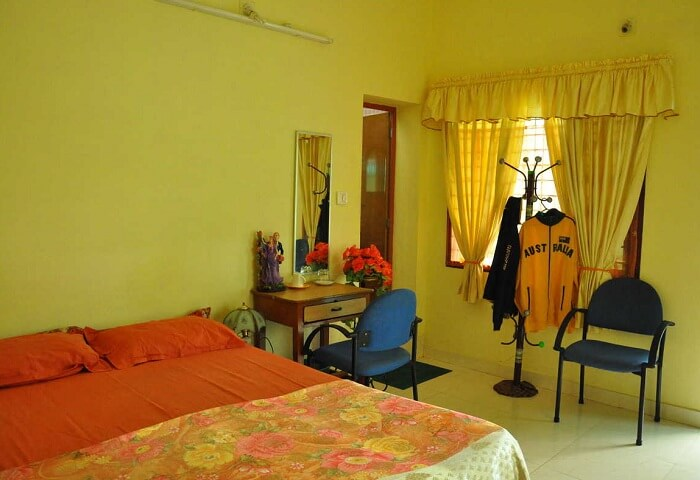 Honolulu Homestay is a budget hotel in Cochin run by a family of hospitable people