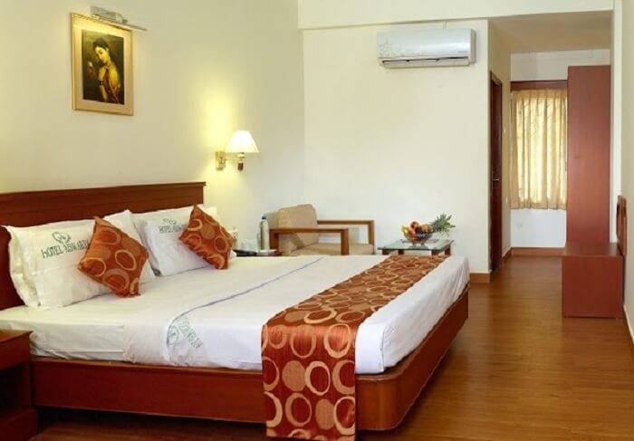Hotel Aiswarya boasts of the cleanest room of all the budget hotels in Cochin