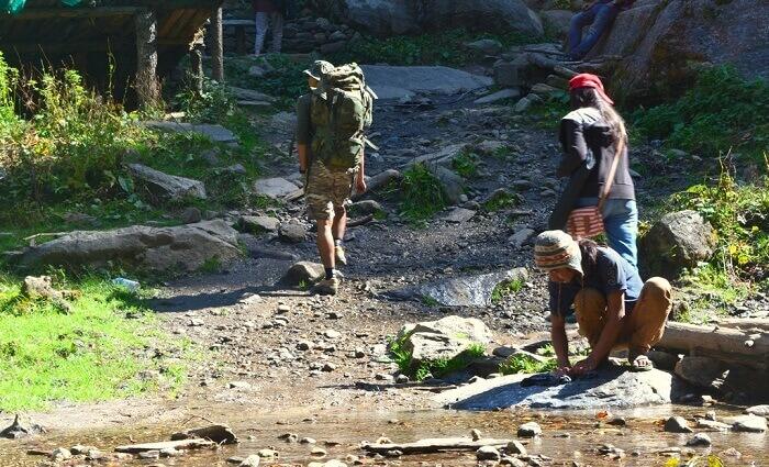 Through the Kheer Ganga trek