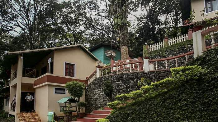New Whispering Meadows is a popular choice among the budget resorts and hotels in Munnar