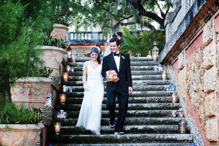 Newly-wed couple leaving Vizcaya in USA after the wedding