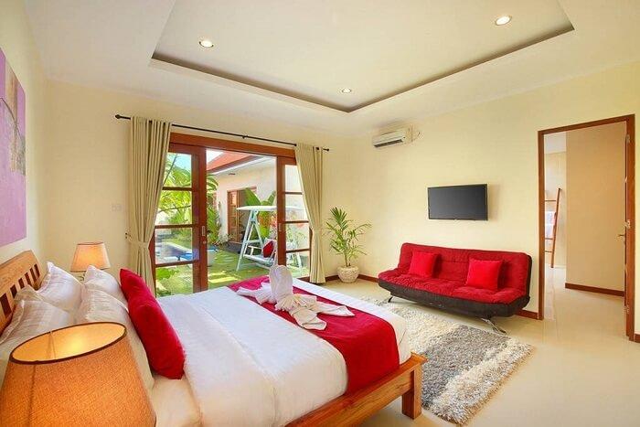 honeymoon suite in nicola villa with pool view