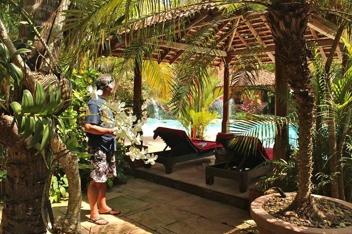 The pool side seating at Pousada Tauma beach resort in Goa