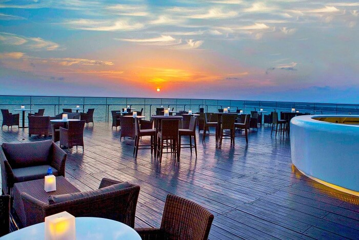 Sky Lounge - The perfect place to enjoy sunsets and have a nice time while enjoying the nightlife in Colombo