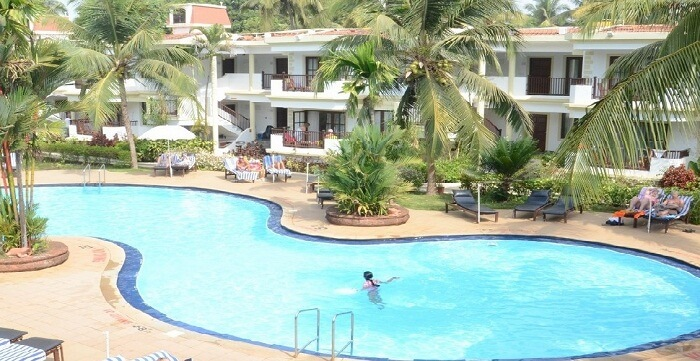 10 best beach resorts in goa travel triangle for Resorts in goa with private swimming pool