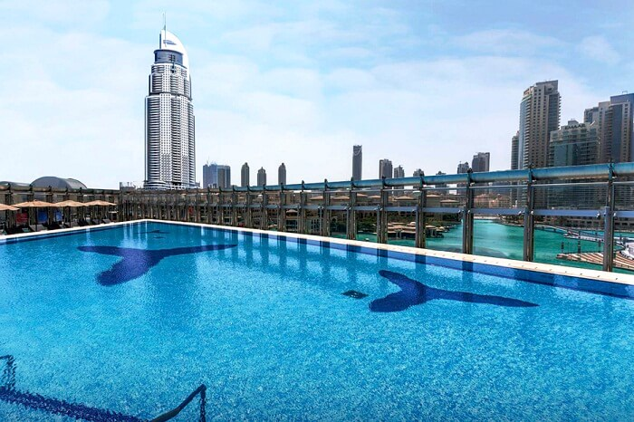 Burj khalifa the tallest building in the world for Tallest swimming pool in the world