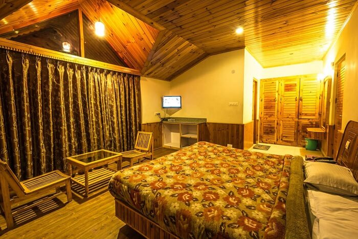The Manali Cottages bedroom