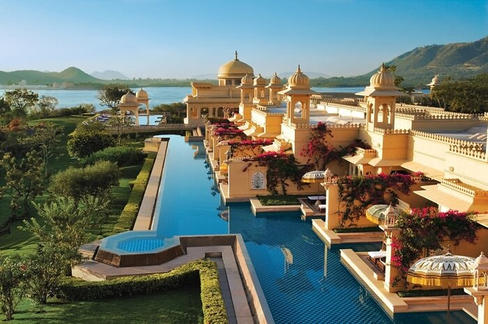 The infinity pool at Oberoi Udaivilas in Udaipur