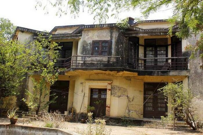 The Valmiki Nagar Building is another popular haunted place in Chennai