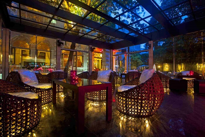ZAZA Bar - The gorgeous and most freshening of the attractions to enjoy nightlife in Colombo