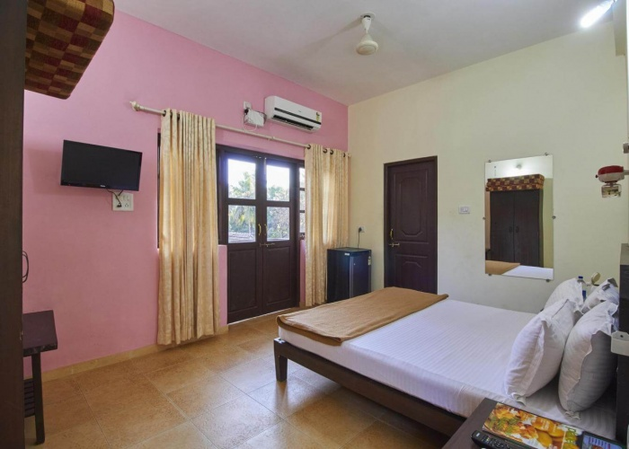 Beach House In Goa With Tariff