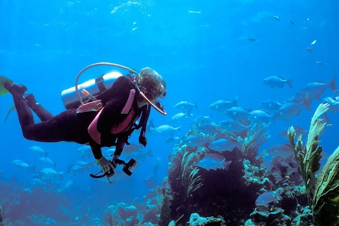 A tourist tries scuba diving in Langkawi