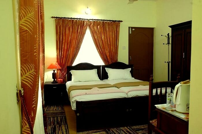 double sharing accommodation munnar
