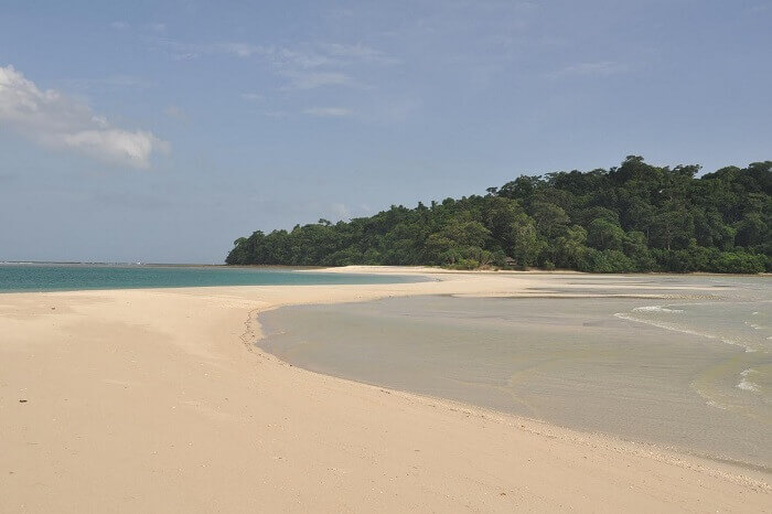 The sandbar between the twin islands of Ross and Smith in Andaman