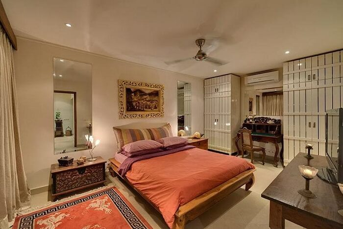 spacious bedrooms in villa rumah 88