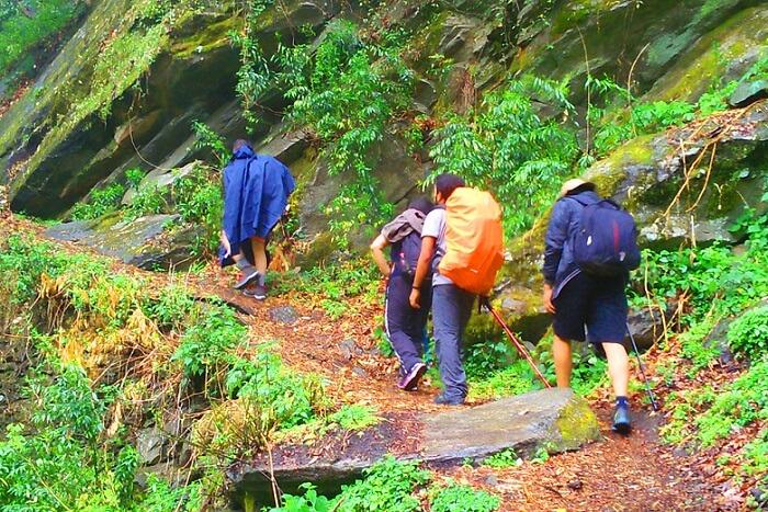tirthan trekking