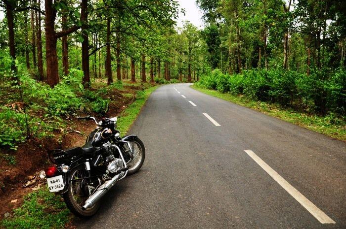 Experience bike ride to see the marvellous Idukki Arach Dam, Kerala