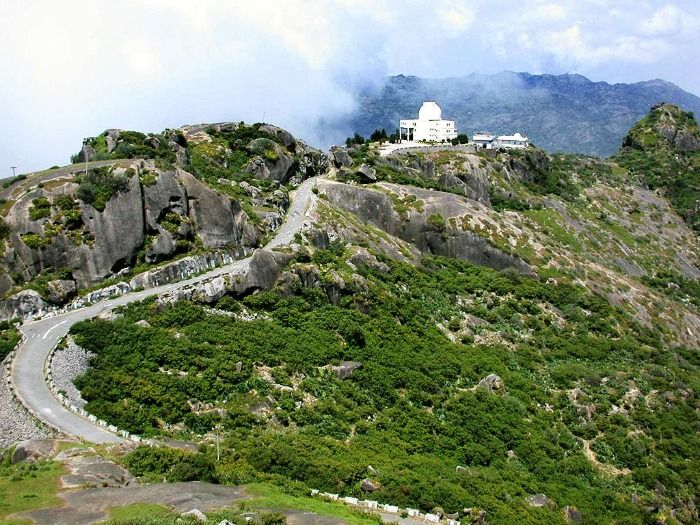 Mount Abu Hill Station - popular weekend getaway from Delhi