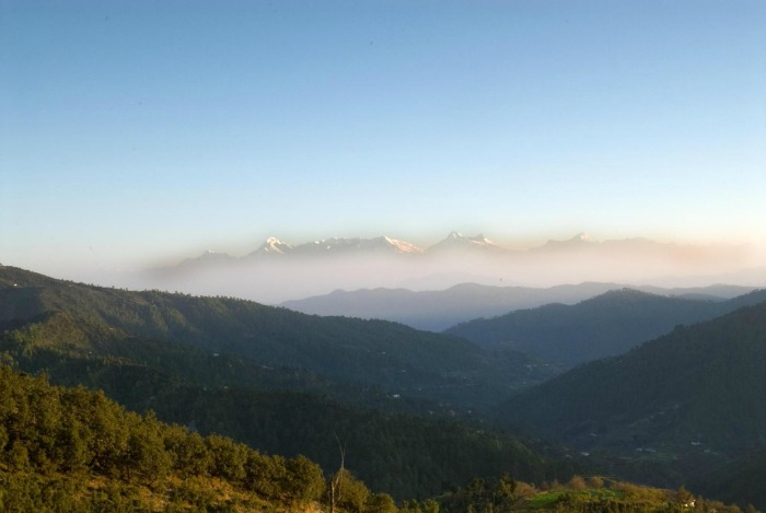 Enjoy the glory of Himalayas at Mukteshwar, Uttarakhand