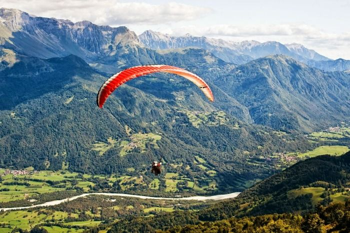 Enjoy paragliding tandem at Patnitop during your honeymoon in Kashmir