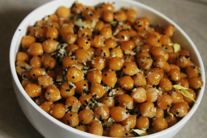 Sundal kerala - soaked, boiled, and fried chick peas