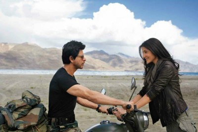 Shah Rukh Khan and Anushka Sharma in Jab Tak Hai Jaan.