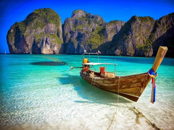 Phi Phi Islands - tourist spots of this beautiful island group, Thailand