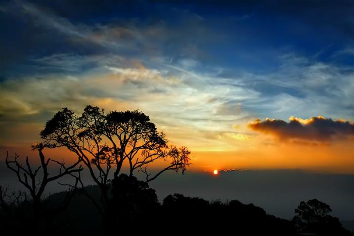 Sunset at Yercaud: Weekend getaway near Bangalore