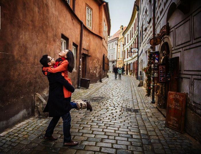 A couple celebrating their honeymoon in Prague
