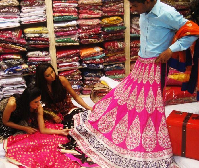 Girls Wedding shopping in Chandni Chowk, Delhi