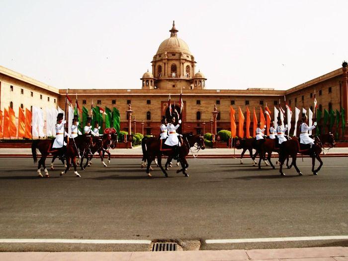 Parade in the powerhouse of Delhi - Rashtrapati Bhavan