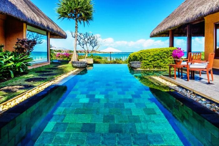 The Oberoi is one of the finest beach resort in Mauritius, frequented by honeymooners