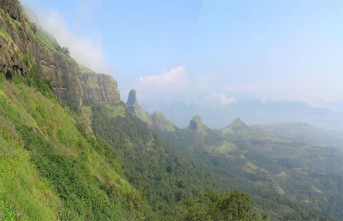 Bandardara is an ideal one day getaway from Pune