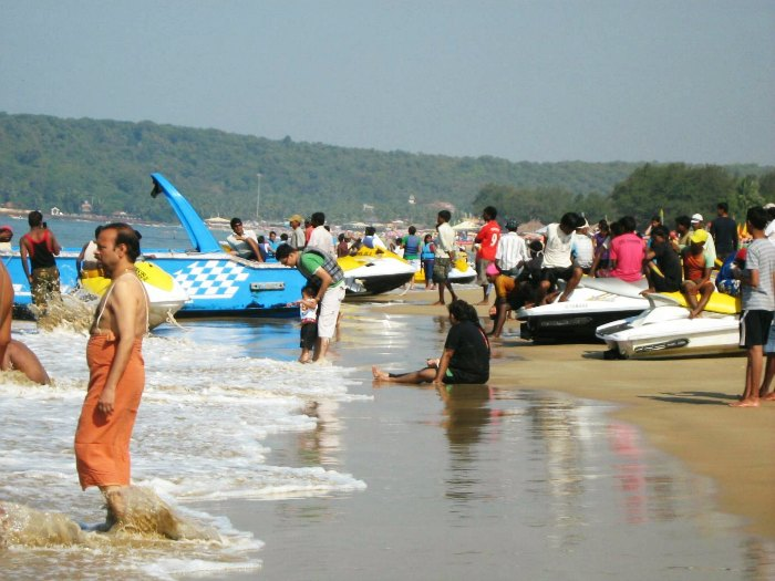 Dirty beaches of Goa