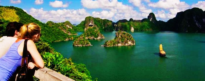A honeymoon couple in the Ha Long Bay Cruise
