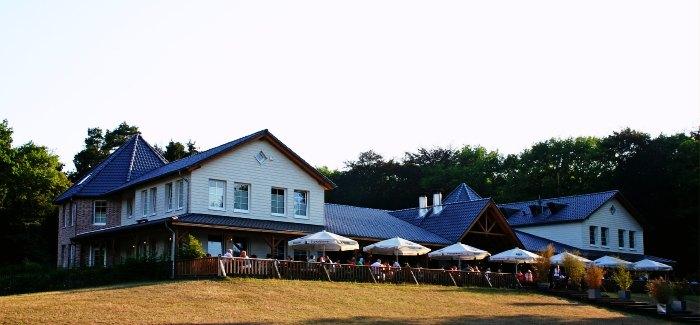 Hotel Lake Side Inn is amongst the many budget hotels in Nainital near Naina Lake