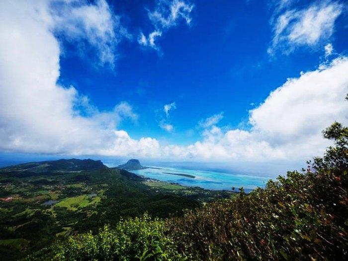 The panoramic bird's eye view of Mauritius