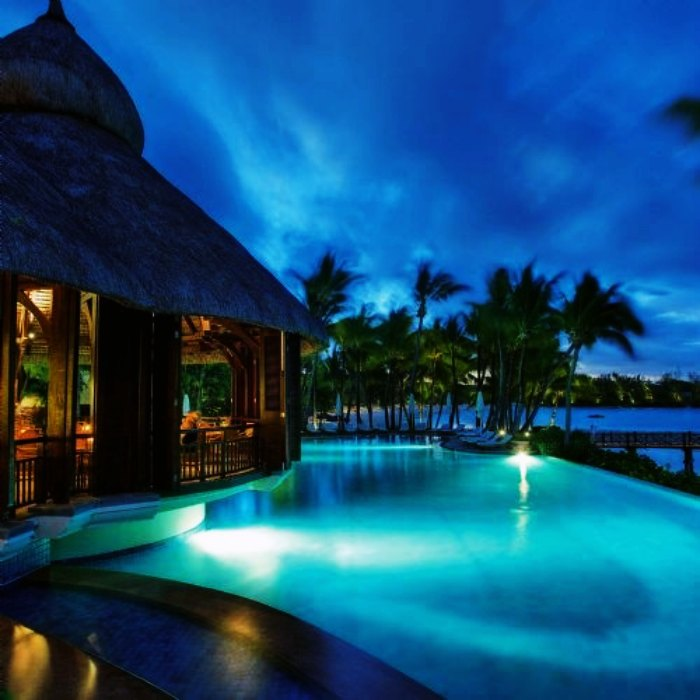 Plan a stay at luxurious Mauritius Hotels