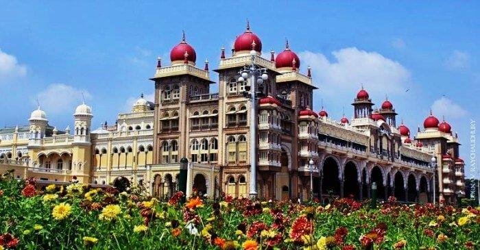 Mysore palace is a beautiful picnic spot near Bangalore