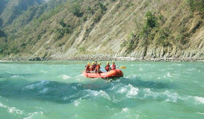 Enjoy rafting in Ganga river, Rishikesh