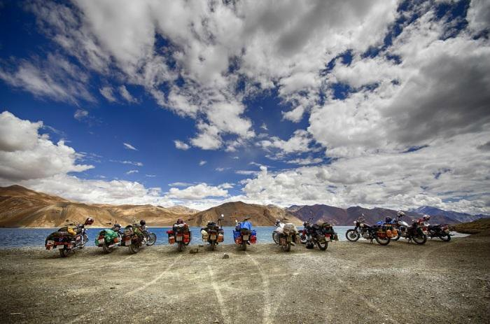 A road trip to Ladakh is one of the best things to do with friends in summer