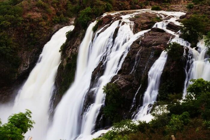 Shivanasamudram is famous for its majestic waterfalls